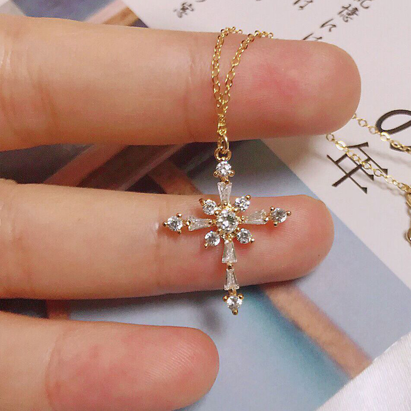 Lucky Female Cross Necklace Shiny Cubic Zirconia Gold Small Cross Choker Necklaces Pendant Fashion Jewelry Gifts For Women