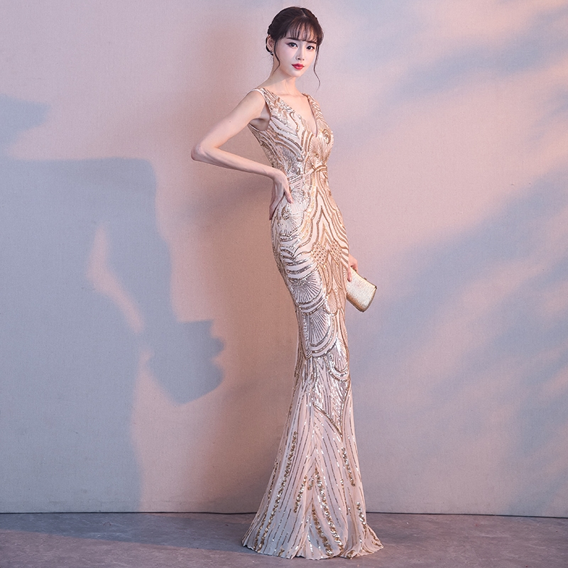 Sexy-Thin-Show-Nightclub-Gowns-Exquisite-Women-Slim-V-Neck-Backless-Bling-Sequins-Evening-Dress-Elegant