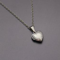 Цепочка с кулоном-фоторамкой в виде крошечного сердца, ожерелье с подвесками в виде сердечек, плавающий медальон, модные памятные ювелирные...