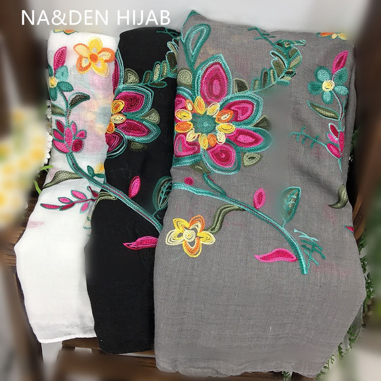 New Embroidery Fashion Autumn Flowers Winter Polyester Scarves Woman Summer Beach Sunscreen Cape Tassel Scarf Ethnic Style Wrap