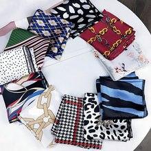 الحرير الحرير ساحة وشاح المرأة موضة طباعة صغيرة منديل شال باندانا مكتب عادية أنيقة Foulard فام اليد منديل