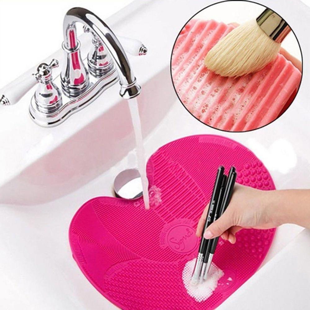 Silicone Makeup Brush Cleaner  1