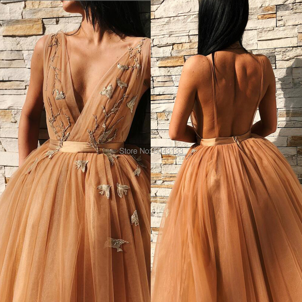 Orange V Neck Short Prom Dresses Vestido De Festa Floral Appliques Pleated Tulle Party Gowns Sexy Backless Evening Party Dress