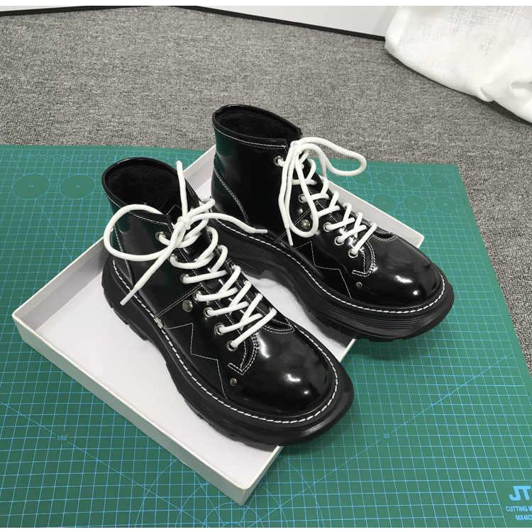 Motosiklet botları kadın lüks kısa Botas Mujer deri ayakkabı kadınlar kalın taban Botines Mujer yarım çizmeler moda serin ayakkabı