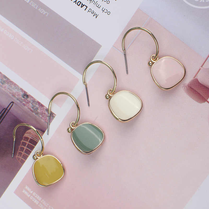 Manxiuni 2019 new ladies earrings fashion Simple earrings pendant acrylic metal earrings women's party dating jewelry