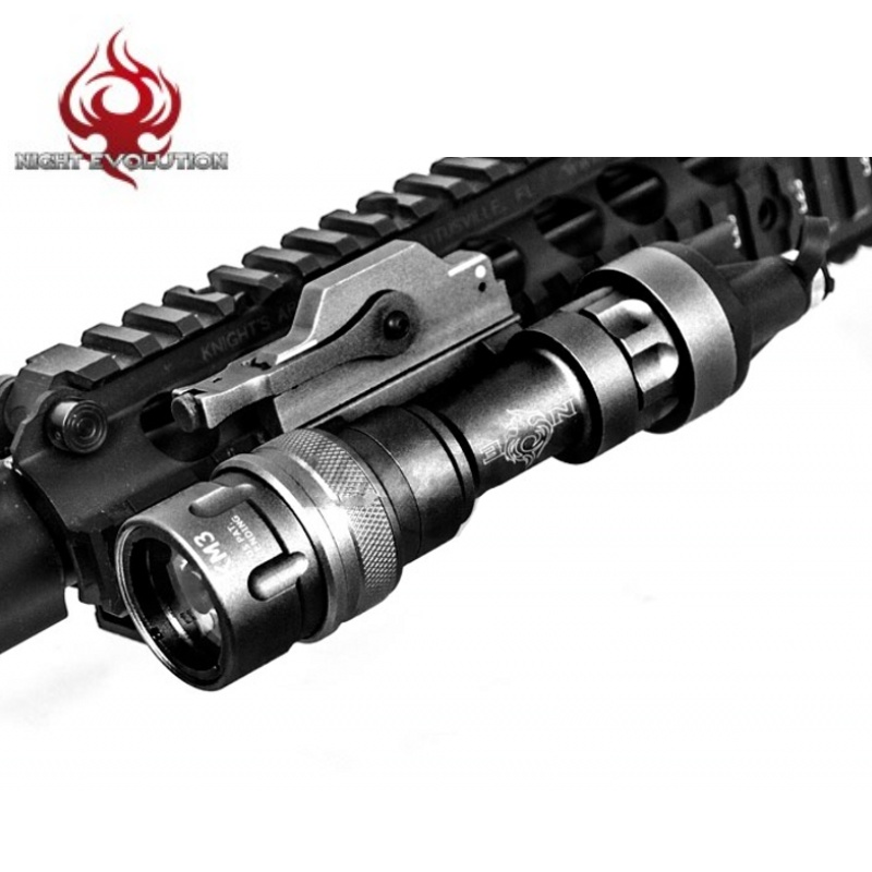 Night Evolution Airsoft M952 Tactical Flashlight Gun Lamp Hunting Linterna Softair Rifle Arma Weapon Light NE04007