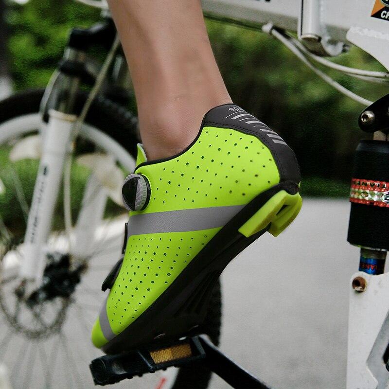 HaoLin Zapatillas De Bicicleta De Monta/ña MTB Cycle Sneaker Add Cleats Men Breathable Self-Lock Sapatilha Ciclismo Triathlon Racing Shoes,Black-40