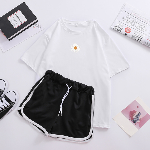 DFGHN Women Striped Print Casual Two Piece Tracksuit Set Shorts Matching Outfits Suit,S Summer Crew Neck T Shirt