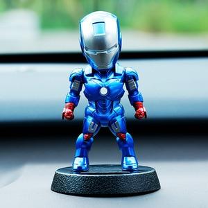 Image 2 - 2017 Q Versie Action Figure Superheld Iron Man Black Panther Pvc Figuur Zonne energie Schudden Hoofd Speelgoed 12Cm Chritmas gift Speelgoed
