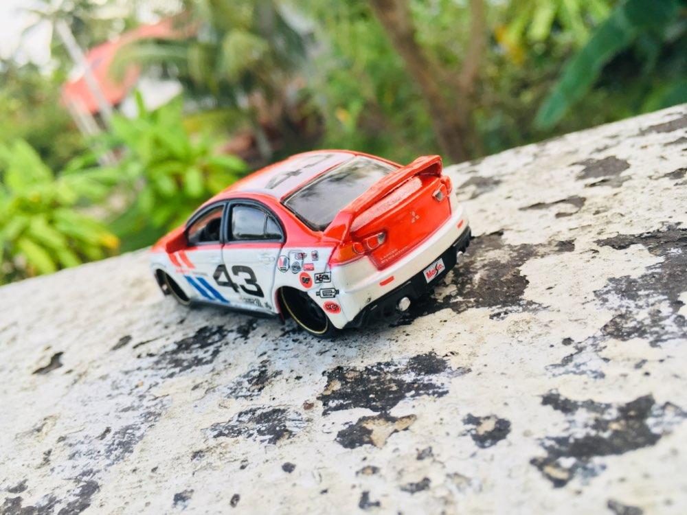 Maisto Mitsubishi Lancer Evolution Car Toy 1//64 Diecast Racing Vehicle Model