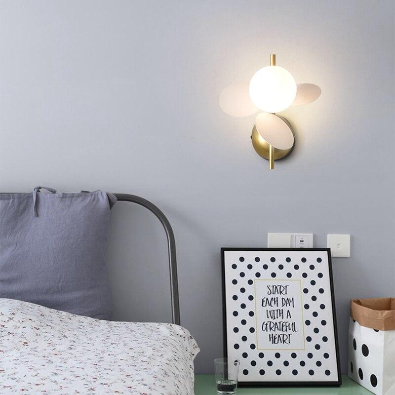 contratada moderna sala criancas lampada parede 04