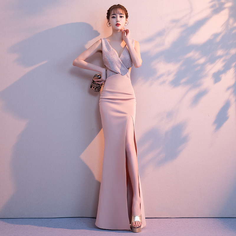 2019-Noble-Banquet-Gowns-Strap-V-Neck-Slim-Evening-Dress-Elegant-Women-High-Split-Cheongsam-Marrigahe (1)