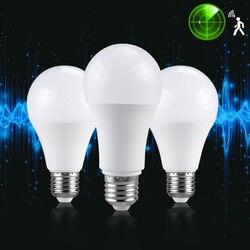 Ampoule de capteur de LED 4 pièces E27 15W 20W 25W AC 85-265V ampoule d'induction de corps infrarouge intelligente économie d'énergie pour couloir de couloir de jardin