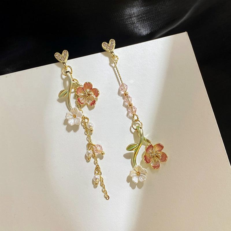 Neue Koreanische Ethnische Asymmetrische Shell Rosa Blume Liebe Tropfen Ohrringe Für Frauen Süße Elegante Quaste Partei Schmuck Geschenke