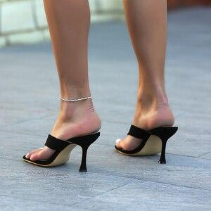 Image 3 - Pzilae chinelos femininos sólidos 2020 nova ladys verão chinelos chinelos chinelos de salto alto dedo do pé quadrado sólido preto chinelos feminino slides