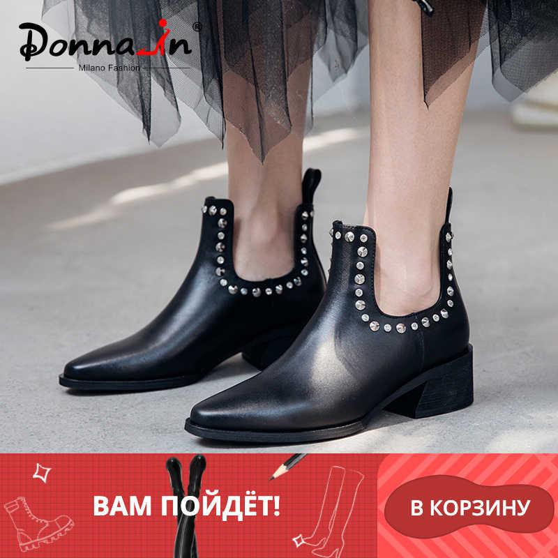 Donna-yeni 2019 yılında sonbahar hakiki deri kadın yarım çizmeler kalın orta topuklu sivri burun bayan botları moda perçin kadın ayakkabı
