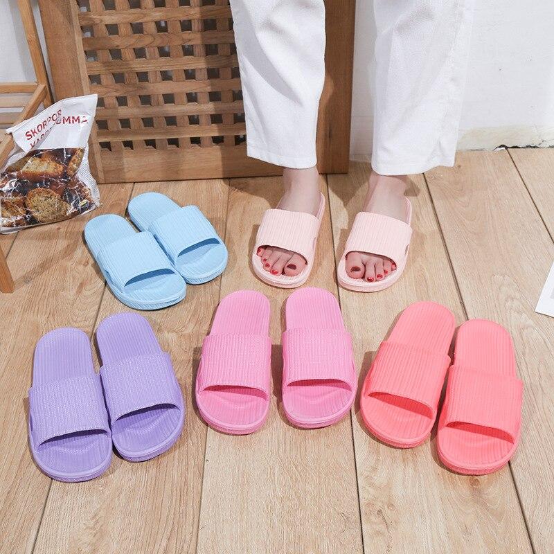 2019 Couple Home Slippers New Indoor Slippers Female Bathroom Sandals Cheap Light Cool Women's Slippers EVA Anti-skid Slippers