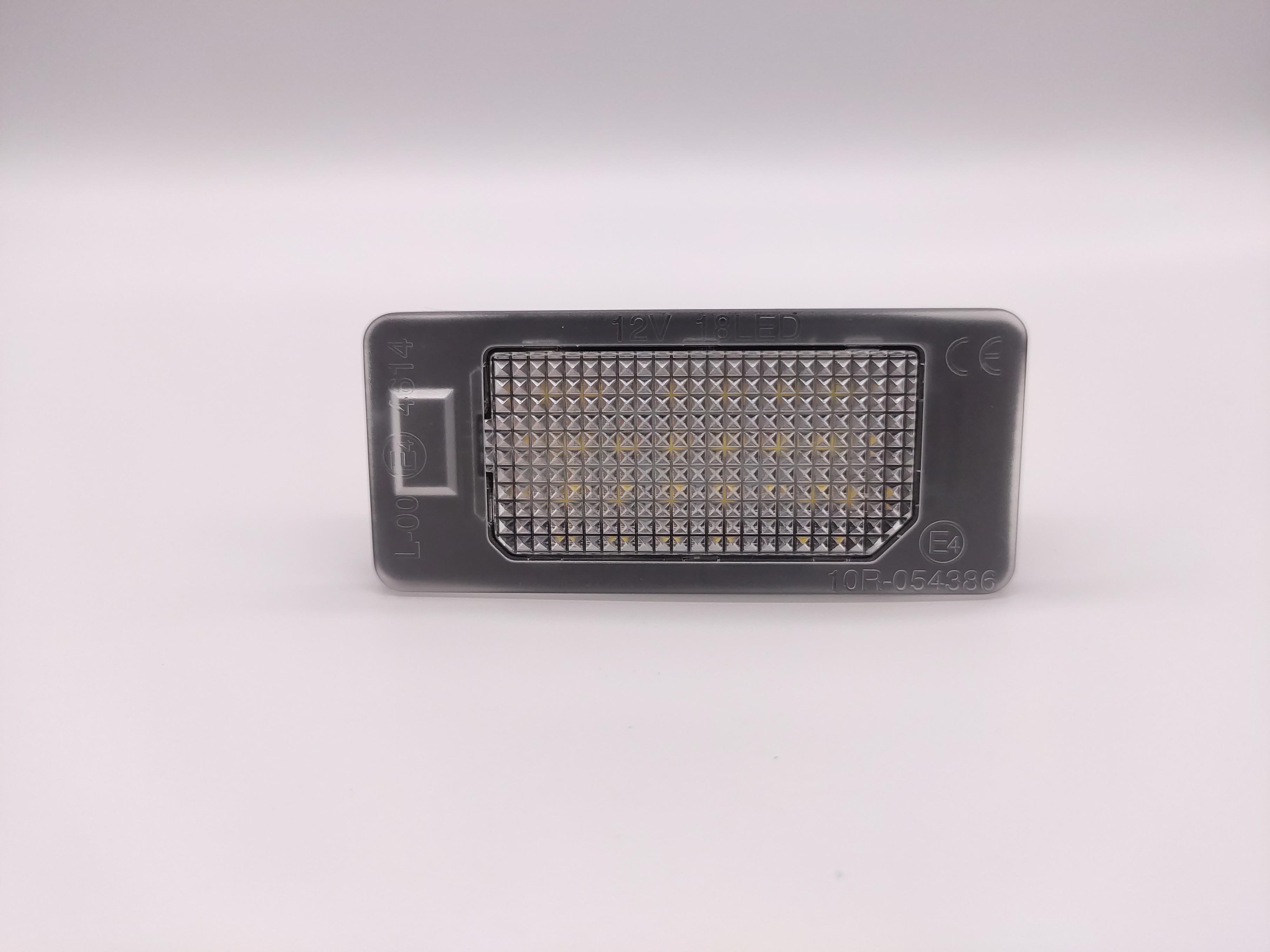2x Smoke LED Side Marker Light For BMW E46 E60 E61 E81 E82 E83 E84 E87 E90 E91US