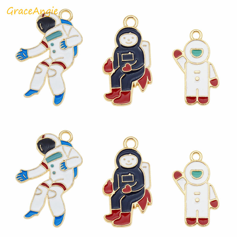 solid sterling silver enamel astronaut charm spaceman pendant  14*9mm