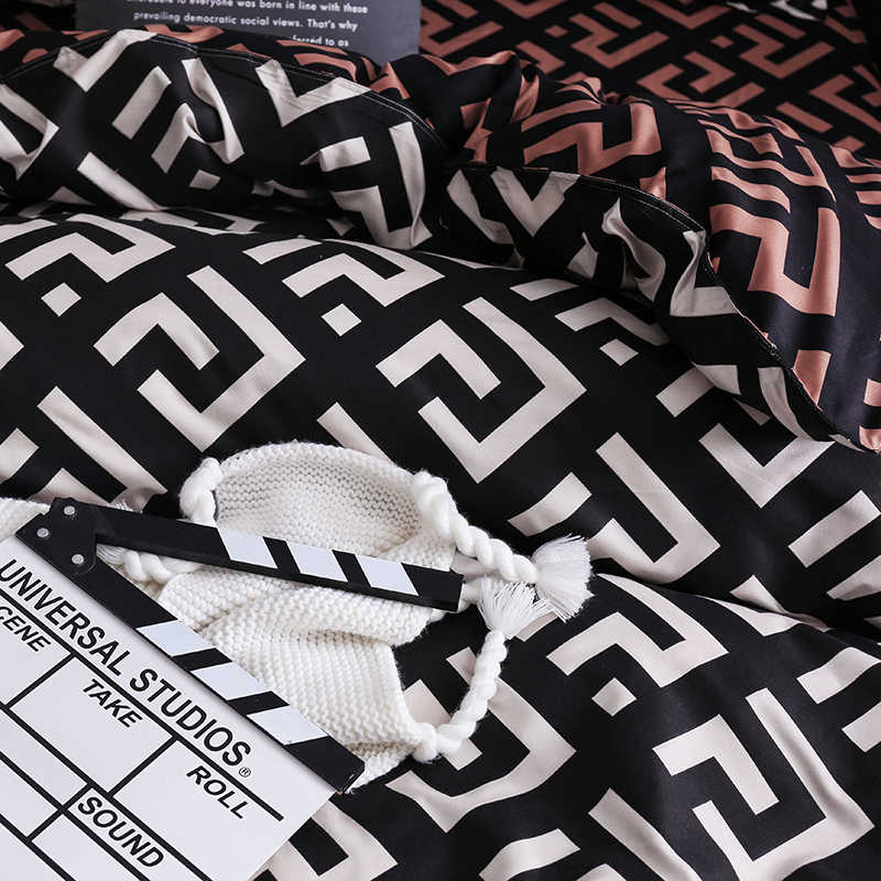 Mewah Hitam Set Tempat Tidur Queen King Single Ukuran Penuh Polyester Linen Tempat Tidur Selimut Penutup Set Burung Modern Plaid Anime dengan sarung Bantal