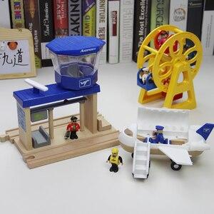 Loading crane for wooden Wharf
