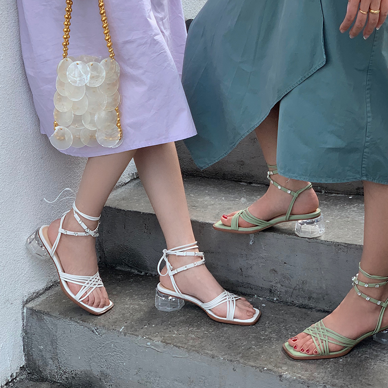 Summer 2020 new style diamond transparent crystal with square head fairy wind sandals ankle strap mid heel sandals Z896