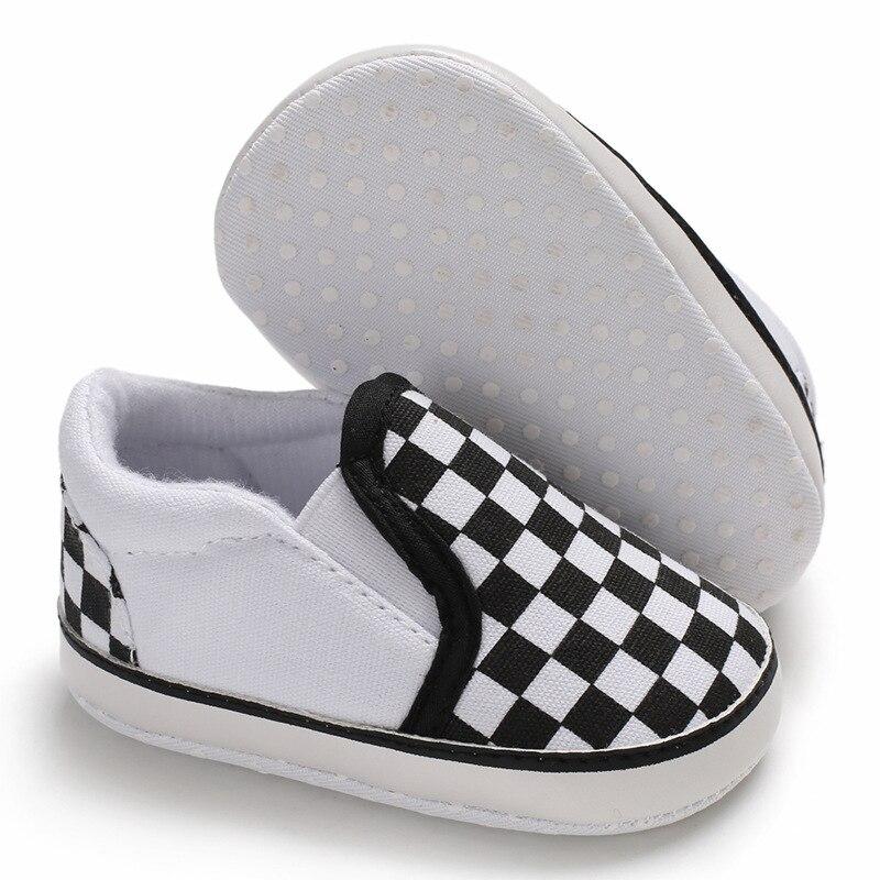 Детская обувь для первых шагов, Детская Классическая спортивная мягкая подошва из искусственной кожи для мальчиков и девочек, разноцветные мокасины для детской кроватки, повседневная обувь 4