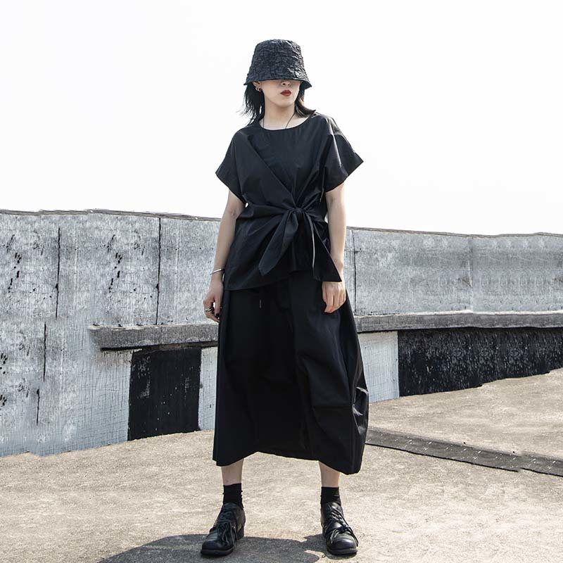 [EAM] Women Black Irregular Knot Split Big Size T-shirt New Round Neck Short Sleeve  Fashion Tide  Spring Summer 2020 1W254 2