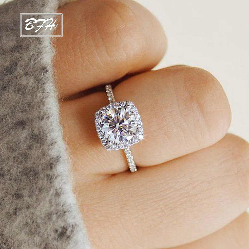 New Trendy Crystal Engagement Claws Design Hot Sale Rings For Women AAA White Zircon Cubic elegant rings Female Wedding jewerly