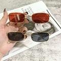1PCs Kleine Vintage Retro Shades Rechteck Sonnenbrille UV400 Metall Quadratischen Rahmen Klare Linse Sonnenbrille Brillen Männer Frauen Brille