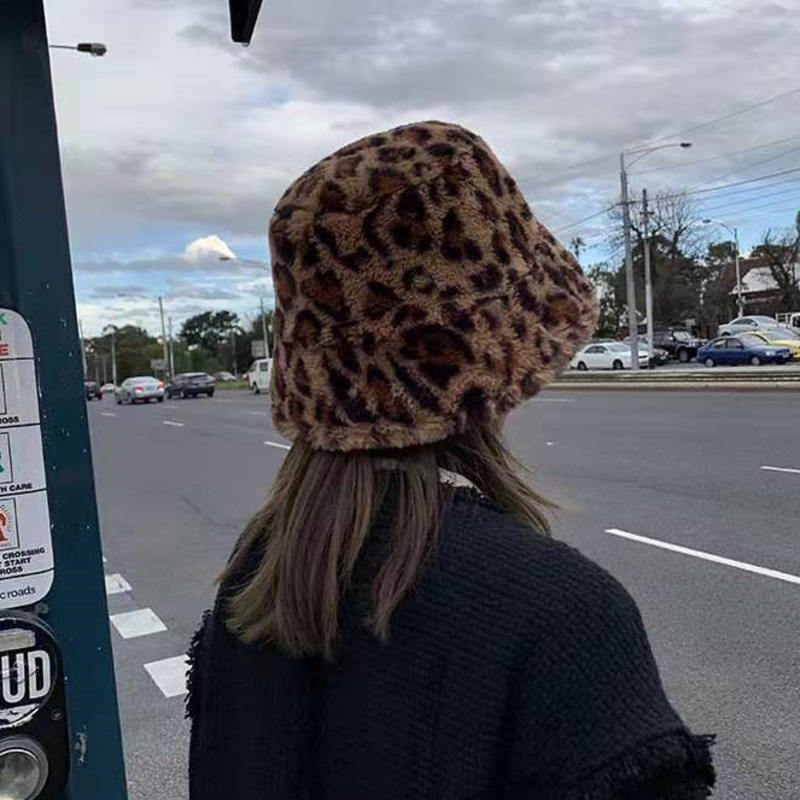 New Leopard Print Winter Bucket Hat For Women Fashion Solid Thickened Soft Warm Fishing Cap Outdoor Vacation Hat Cap Lady Panama