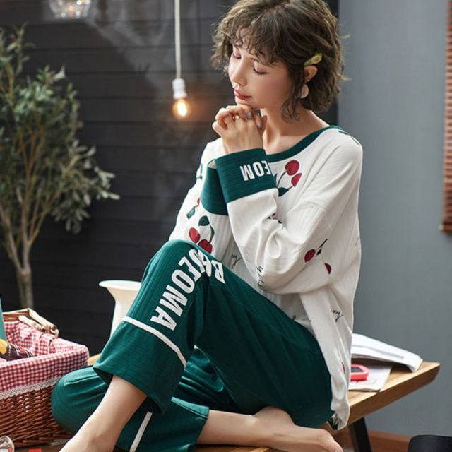 Women's Long Sleeve And Long Pants Pajama Set
