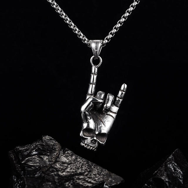 STAINLESS STEEL SKULL ROCK NECKLACE