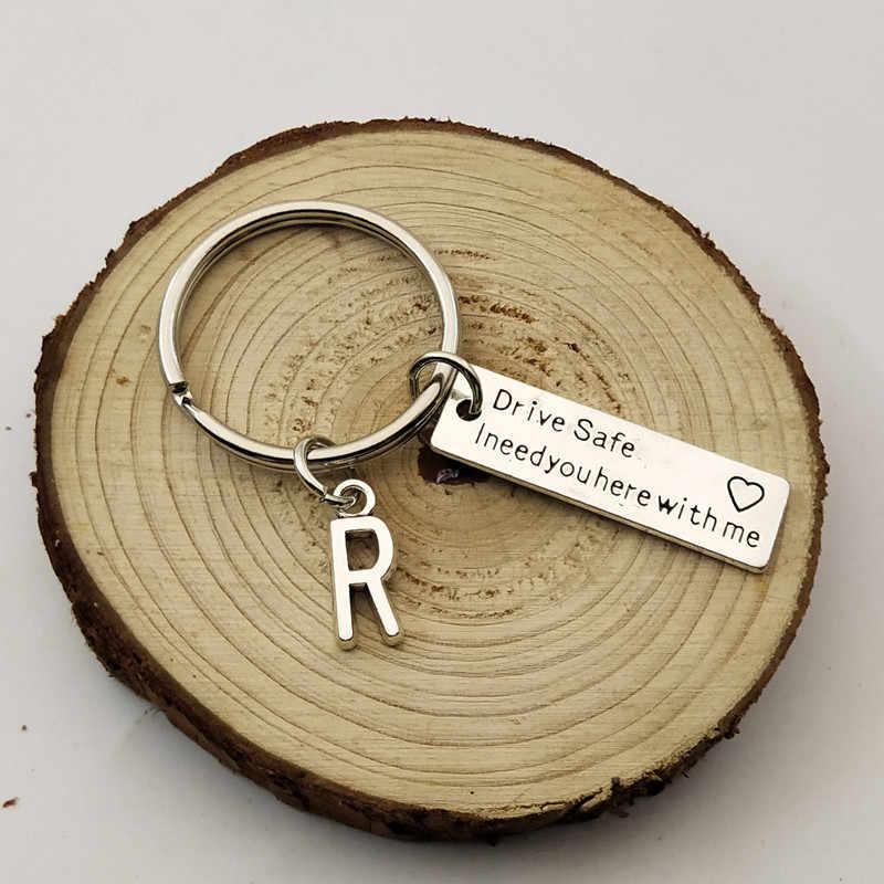 ไดรฟ์ปลอดภัย I Need You ที่นี่ Me/คู่พวงกุญแจ/แกะสลักพวงกุญแจ/ตัวอักษร A-Z พวงกุญแจ/สามีของขวัญ/ของขวัญแฟน