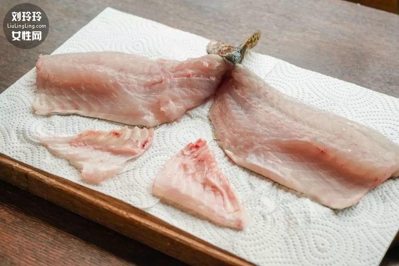 大饭上的松鼠鳜鱼做法 松鼠桂鱼标准花刀8
