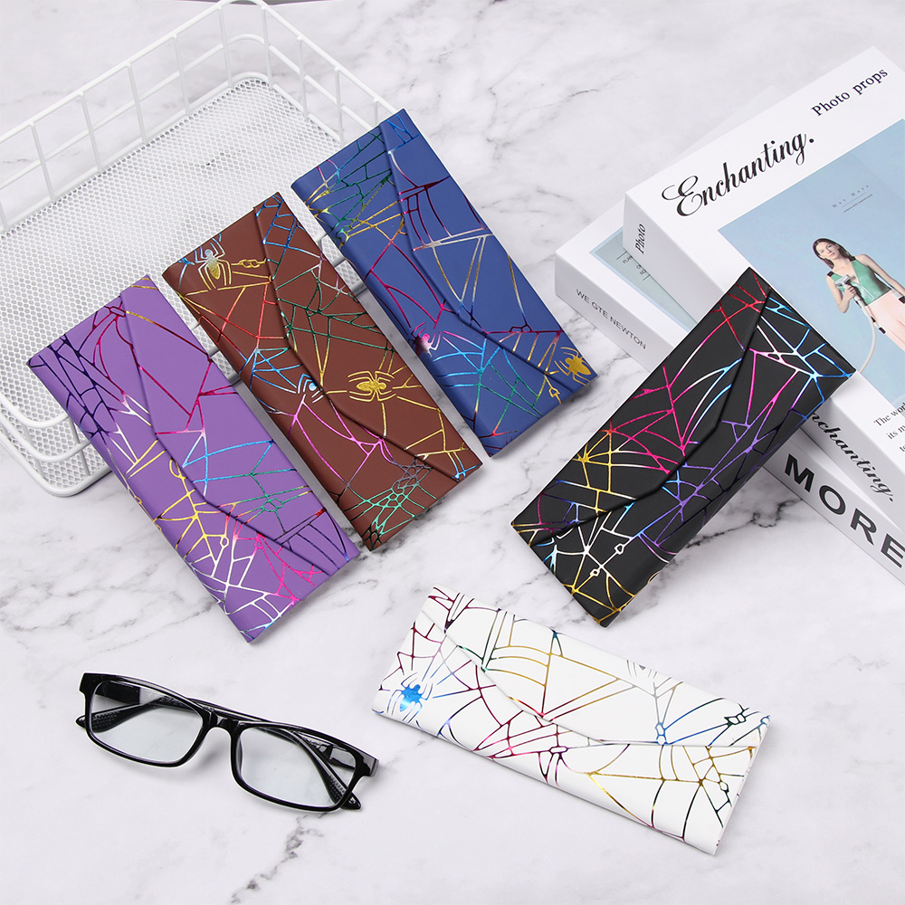 Hot Fashion Portable Folding PU Waterproof Strong Magnet Eyewear Case Spider Pattern Triangle Glasses Box Glasses Protective