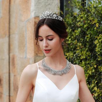 Vintage sąd korona panny młodej barokowa królowa róża stop korona proste dodatki do sukni ślubnej biżuteria akcesoria na głowę kobiet tanie i dobre opinie LUKENI Ze stopu cynku Kobiety A137 PLANT Śliczne Romantyczny Tiary Metal Electroplate Silver Headwear White crystal wedding