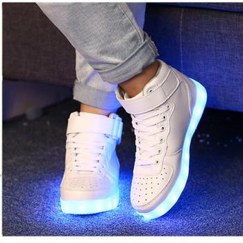 25-46 Led Usb ładowania buty dla dzieci i dorośli świecące tenisówki chłopcy dziewczęta Hook Loop świecące buty moda mężczyźni kobiety Party tanie i dobre opinie W wieku 0-6m 7-12m 13-24m 25-36m 3-6y 7-12y 12 + y CN (pochodzenie) CZTERY PORY ROKU Unisex Dobrze pasuje do rozmiaru wybierz swój normalny rozmiar