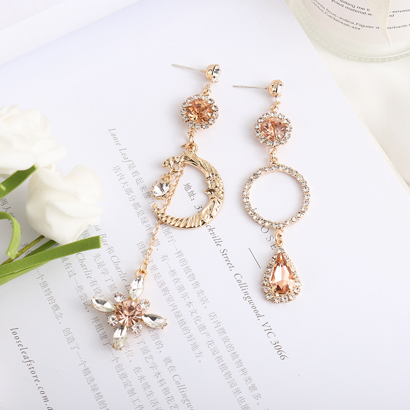 Korean elegant Moon twist ring Hanging Dangle Asymmetrical Earrings Bohemian Prevent Allergy Vintage Stud Earrings High Quality