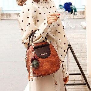 Image 5 - Petit été Vintage sacs pour femmes 2020 Pu cuir fourre tout sac à main femme messager épaule main bandoulière luxe concepteur AB02