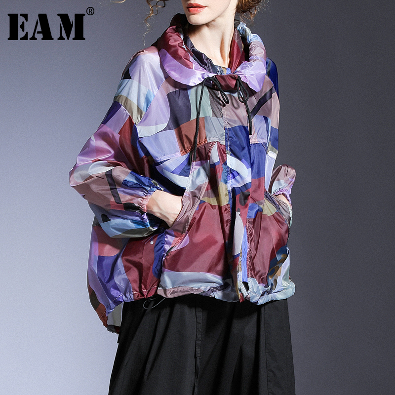 [EAM] Loose Fit Printed Big Size Thin Sunscreen Jacket New Hooded Long Sleeve Women Coat Fashion Tide Spring Summer 2020 1T727