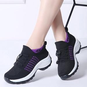 Image 2 - 2019 printemps femmes baskets légères à lacets chaussures plates plate forme compensée chaussette chaussures femme respirant maille Tenis Sapatos Feminino 1855