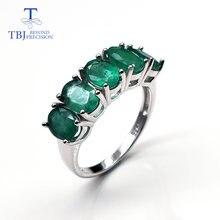 Женское кольцо из серебра 925 пробы с драгоценными изумрудами