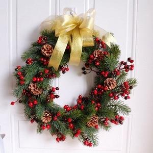 Image 2 - Декорированный искусственный Рождественский венок, зеленые ветви с сосновыми шишками, красные ягоды, внутреннее/наружное Рождественское украшение 45 см