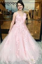 Eleganckie tiulowe suknie wieczorowe aplikacje kwiaty suknie wieczorowe 2020 długa linia suknie balowe długość podłogi Robe De Soiree formalne tanie tanio Menoqo V-neck Bez rękawów Pociąg sweep Prom dresses Tulle simple Naturalne Poliester -Line