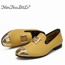 Couro masculino tamanho grande moda sapatos casuais design brilhante face fivela e ouro dedo do pé de metal masculino sapatos de condução parte plana