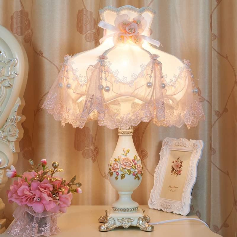 Lampe de chevet lumière LED luxueux Europe artisanat lumière série chambre art décor à la maison abat-jour lampes de table pour chambre maison déco r