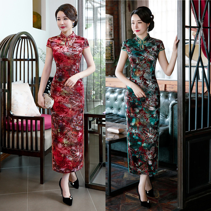 Open Rain 2019 Autumn And Winter Hot Selling Gold Velvet Bronze Red Green Long Cheongsam Debutante Elegant Middle-aged Women Dre