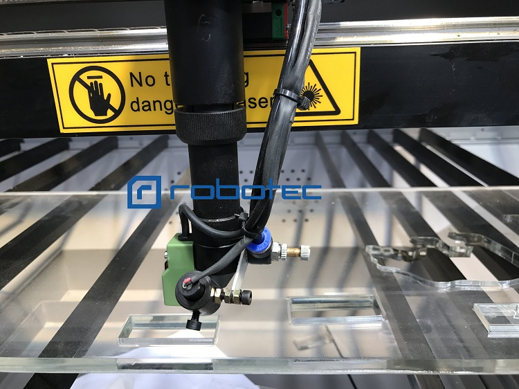 Factory Directly Supply Laser Cutter With CE CO2 Laser Engraver CNC Laser Cutting Machine For Fabric