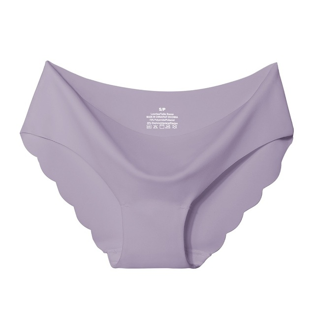 Seamless Panty Set With Scalloped Edge 6
